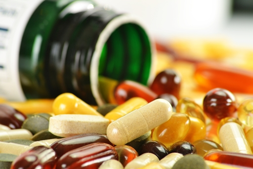 What vitamin supplements might slow the progression of Alzheimer's disease?